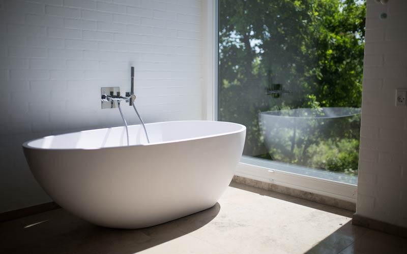 Delo blogpost - bagno del futuro tendenze - vasca design minimal