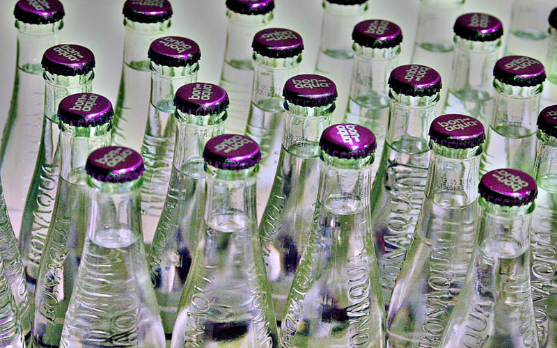 delo blogpost - bere acqua rubinetto - bottiglie vetro