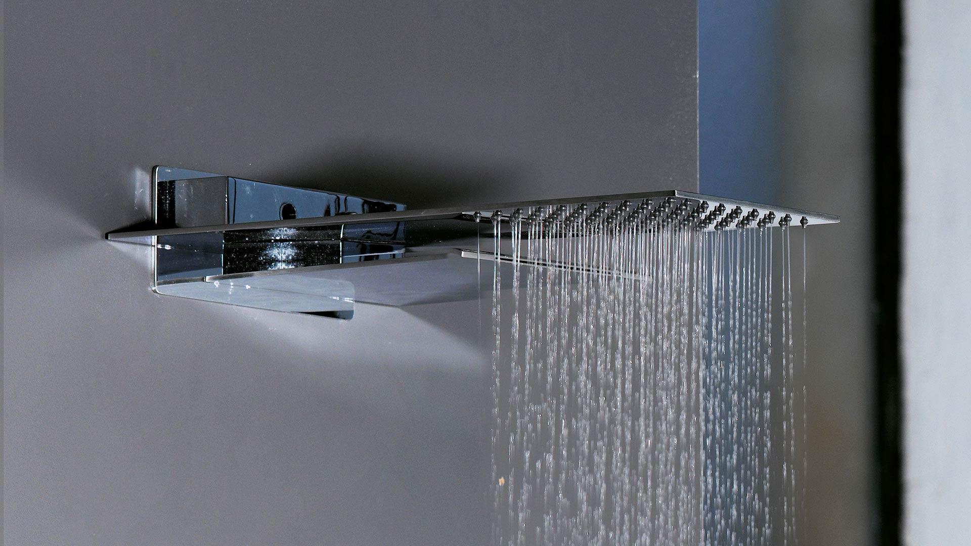 Delo - soffione doccia a muro con cascata - blogheader