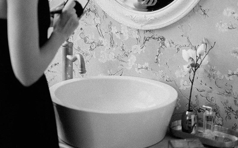 Delo blogpost - i miscelatori a corpo alto - lavabo a bacinella retrò