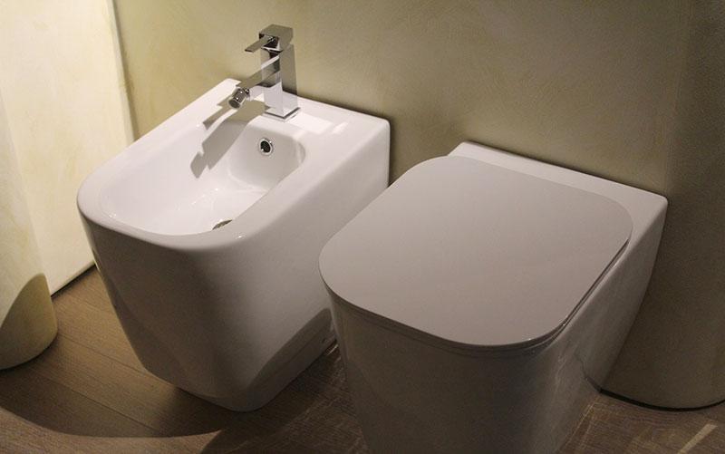 Delo blogpost - curiosita bagno - bidet e wc_