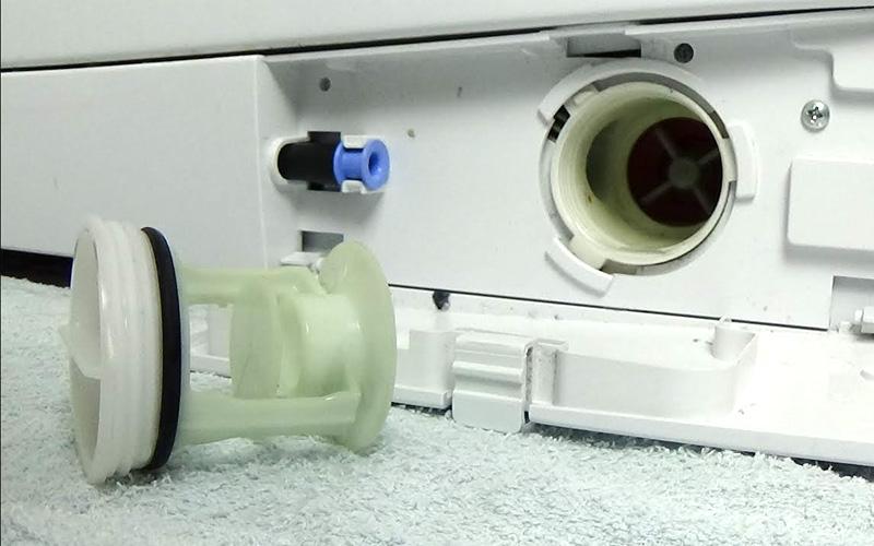 delo blogpost pulire il bagno - filtro lavatrice