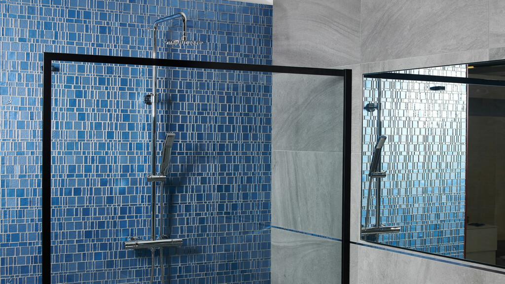 Delo - bagno con colonna doccia Narciso Bliss