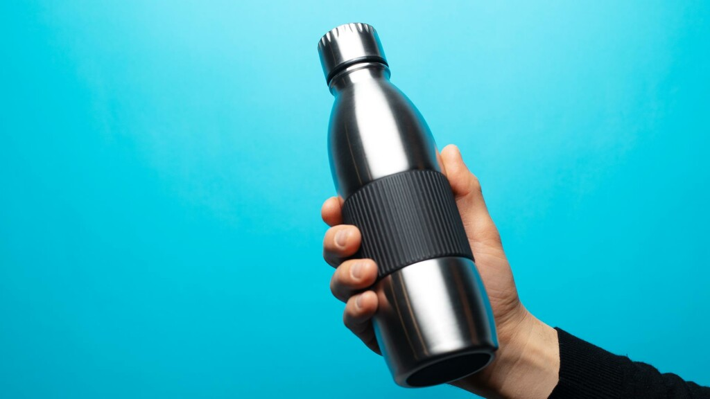 Delò - bere acqua del rubinetto fa bene - borraccia acqua riutilizzabile