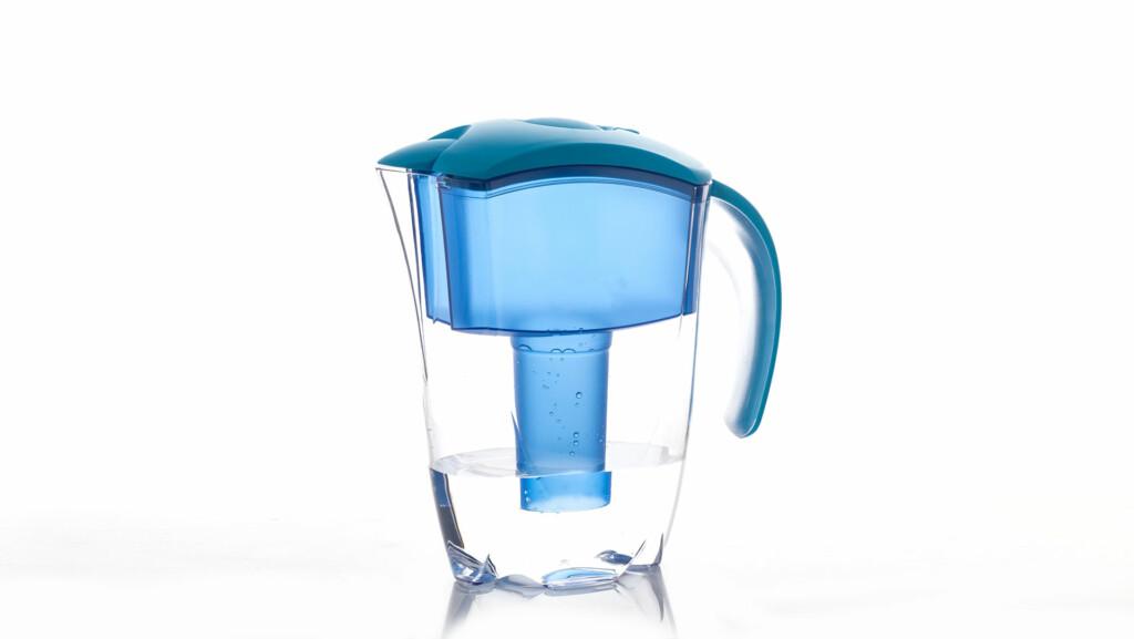 Delò - bere acqua del rubinetto fa bene - caraffa filtrante per acqua